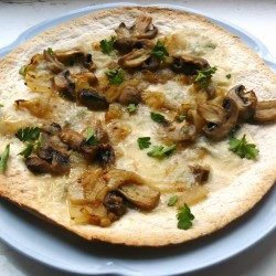 Caramelized Onion Mush Blue Ch Pizza
